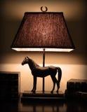 Lâmpada da noite na mesa Imagens de Stock