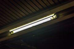 Lâmpada de néon suja imagem de stock royalty free