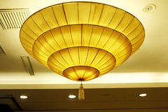 lâmpada de pendente do Dinning-salão Imagens de Stock Royalty Free