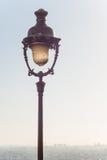Lâmpada de rua do vintage em Montmartre Fotografia de Stock