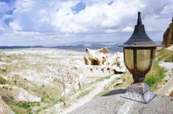 Lâmpada de rua na plataforma de observação em Cappadocia imagens de stock