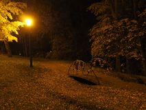 Lâmpada de rua no crepúsculo imagens de stock