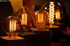 Lâmpada de vários tipos, círculo de Edison, esfera, homem Imagem de Stock