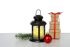 Lâmpada do Natal e bola vermelha do Natal Fotografia de Stock