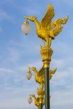 A lâmpada dourada da cisne Fotos de Stock Royalty Free
