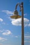Lâmpada e céu de Stree Imagens de Stock Royalty Free