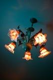 Lâmpada em uma sala escura Fotografia de Stock