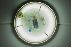 A lâmpada fluorescente do círculo branco nenhum tampão fotos de stock royalty free
