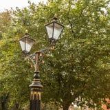 A lâmpada gêmea ilumina-se na igreja York Reino Unido de York Foto de Stock