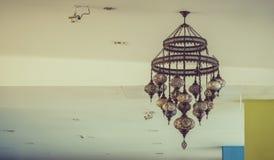 Lâmpada luxuosa retro bonita da iluminação interior Imagens de Stock
