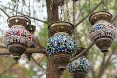 Lâmpada no estilo oriental com um projeto do mosaico foto de stock royalty free