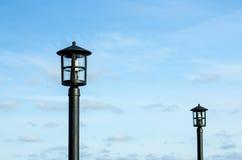 Lâmpadas contra os céus azuis Imagem de Stock Royalty Free