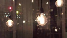 Lâmpadas de filamento incandescentes do pensamento da ciência da ideia decoração da lâmpada do vintage na noite home filme