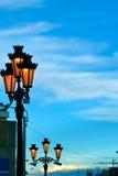 Lâmpadas de rua no céu Fotografia de Stock