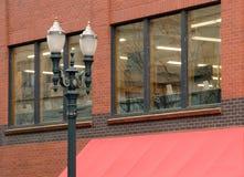 Lâmpadas de rua no distrito da pérola, Portland Imagem de Stock Royalty Free