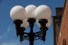 Lâmpadas de rua retros velhas do glboe Fotografia de Stock