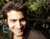 Lächeln des jungen Mannes Lizenzfreies Stockfoto