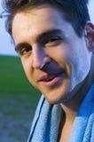 Lächeln des Sportlers Stockfoto