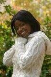 Lächeln an einem Falltag Lizenzfreies Stockfoto
