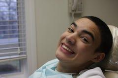 Lächeln ohne Klammern Lizenzfreies Stockbild
