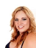 Lächeln plus blonde Frau der Größe Lizenzfreie Stockfotos