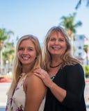 Lächeln und glückliche Familie Lizenzfreies Stockbild