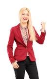 Lächeln und glückliche junge Frau Lizenzfreie Stockfotografie