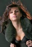 Lächelnde attraktive Frau der Junge Stockfotografie