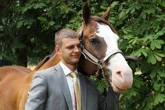 Lächelnde beste Freunde Lizenzfreie Stockfotos