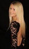 Lächelnde blonde Frau Lizenzfreie Stockfotografie