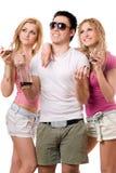 Lächelnde blonde Frau zwei und junger Mann Lizenzfreies Stockfoto