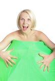 Lächelnde Blondine und Regenschirm Lizenzfreies Stockfoto