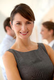 Lächelnde Executivfrau Stockfotos