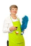 Lächelnde fällige Hausfrau Lizenzfreie Stockbilder