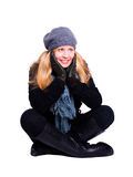 Lächelnde Frau in der Winterkleidung über Weiß Lizenzfreies Stockfoto