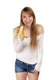 Lächelnde Frau, die Banane hält Stockfotos
