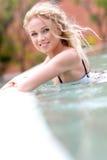 Lächelnde Frau im bathsuit Stockbild