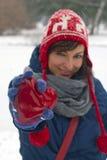 Lächelnde Frau mit rotem Innerem Stockfotografie