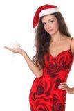 Lächelnde Frau mit Weihnachtskugel Stockbild