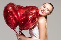 Lächelnde Frau, Valentinsgruß ` s Tag Lizenzfreie Stockfotografie