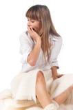Lächelnde glückliche nette junge Frau Lizenzfreies Stockfoto