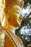 Lächelnde goldene Buddha-Statue Lizenzfreies Stockbild