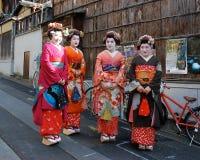 Lächelnde japanische Geisha Stockfotografie