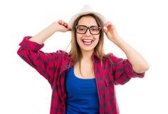 Lächelnde Jugendfrau im Hut stockbild