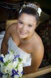 Lächelnde junge asiatische Braut Stockbilder