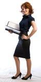 Lächelnde junge Frau mit Dokumenten Stockfoto