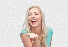 Lächelnde junge Frau oder Jugendliche Stockbilder