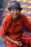 Lächelnde kambodschanische Frau Stockfotografie