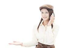 Lächelnde Kellnerin Lizenzfreies Stockfoto