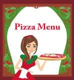 Lächelnde Kellnerinumhüllungspizza Stockfoto